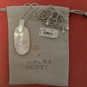 Kendra Scott Inez necklace NWT mother of pearl